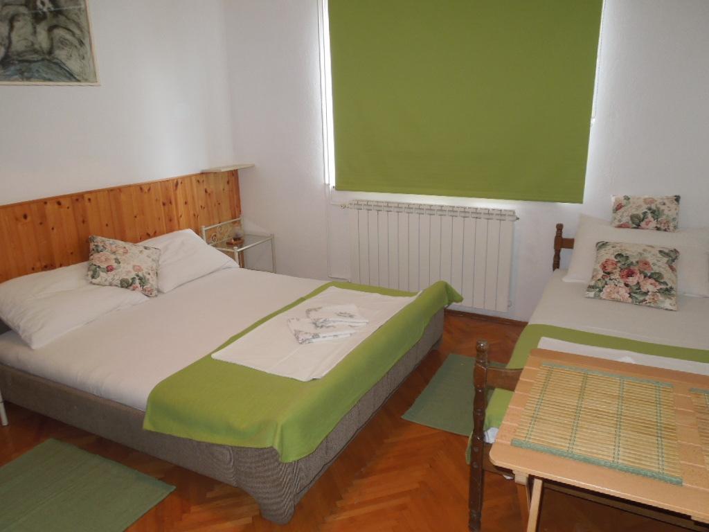 Dvokrevetna soba sa pomoćnim krevetom - Julia 3