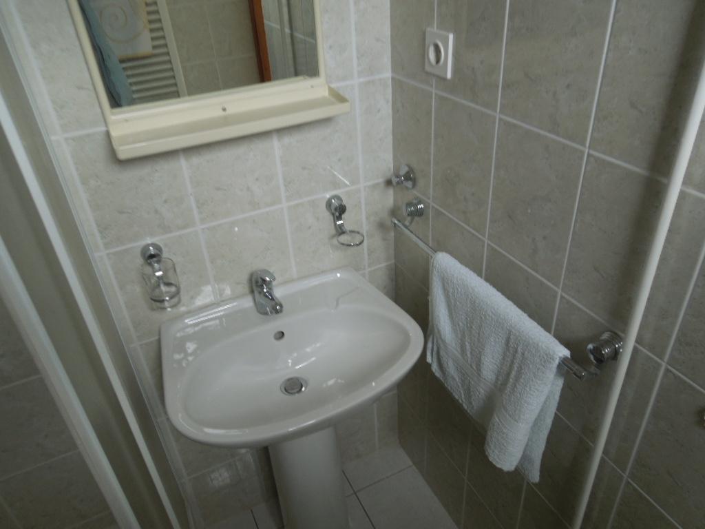 Badezimmer mit Dusche - Julia 4