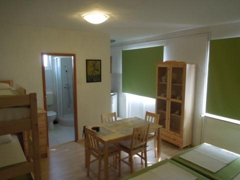 Studio-Wohnung - Julia