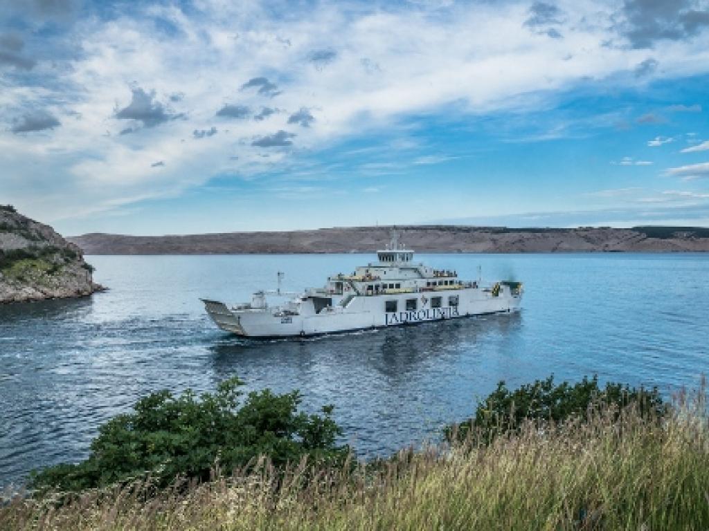Fahrplan von Fähren und Katamaranen