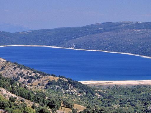 Jezero na otoku Cresu